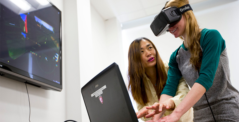 Students and faculty testing virtual reality at NYIT-Vancouver